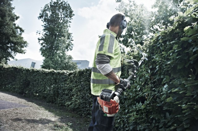 How To Maintain Your Hedge Trimmer